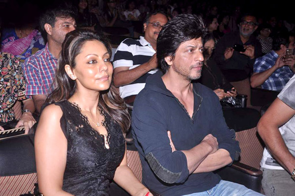 shaimaksrk guri Shah Rukh and Shahid come out to support Shiamak Davars annual dance show Summer Funk