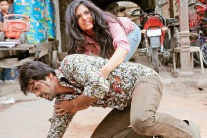 tamancheystill01 300x200 Richa Chaddha and Nikhil Dwivedi play Chors aka thieves in Tamanchey!
