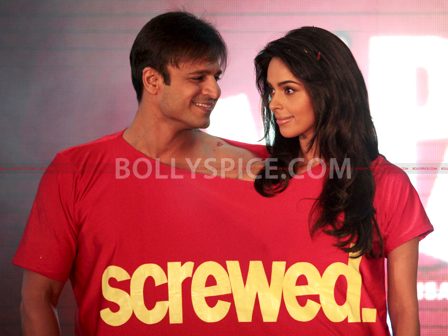 12jul KLPD1stlooklaunch01 Vivek Oberoi and Mallika Sherawat unveil the first poster of Kismat Love Paisa Dilli