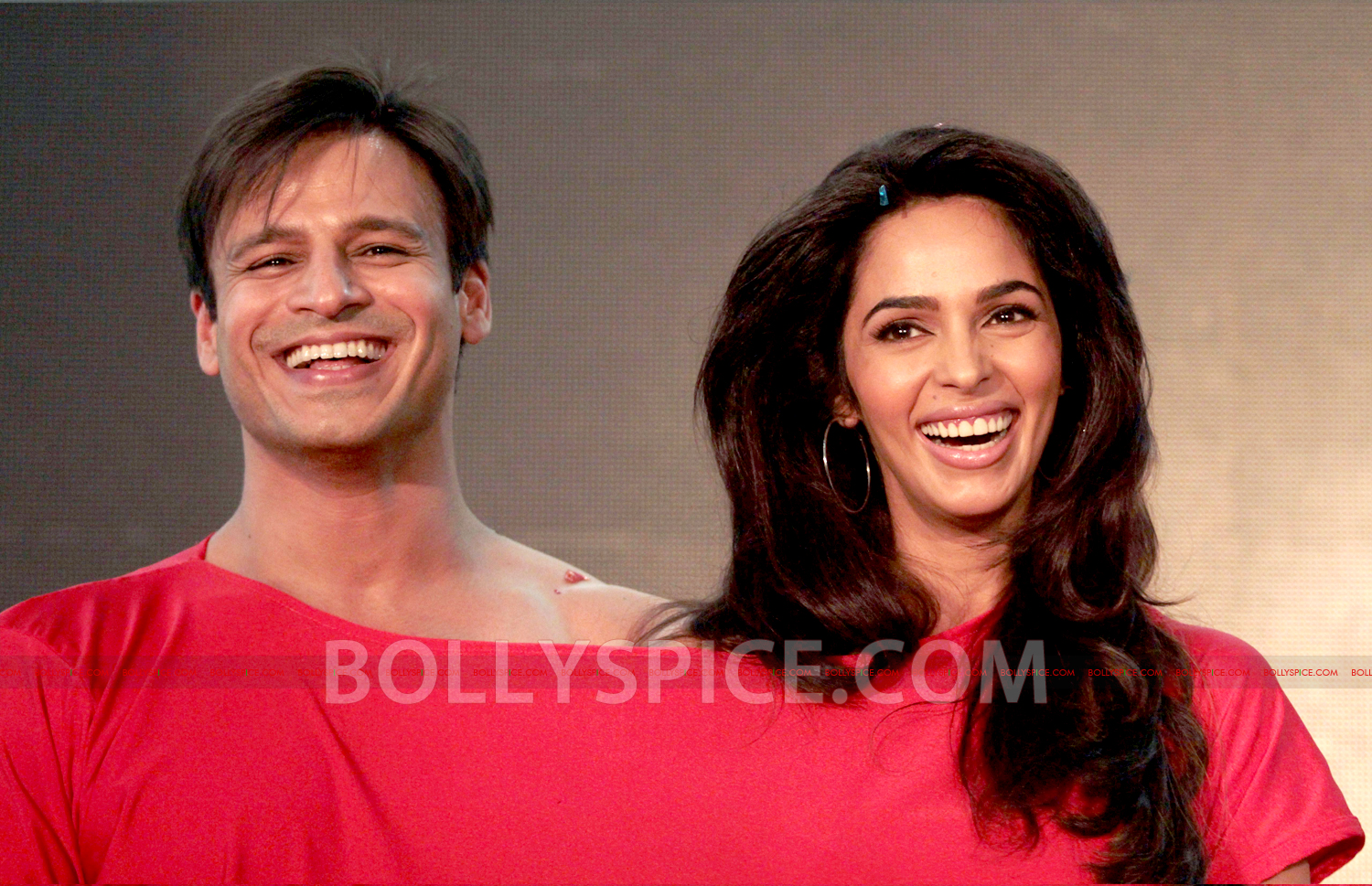 12jul KLPD1stlooklaunch08 Vivek Oberoi and Mallika Sherawat unveil the first poster of Kismat Love Paisa Dilli