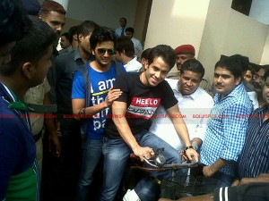 12jul KSKHH patna cycle 300x225 Super Kool Boys Tusshar & Riteish storm Patna