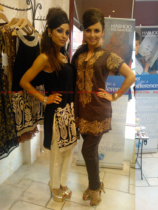 12jul raishma launchesRTW04 UK Designer Raishma launches RTW collection and raises funds for the Hashoo Foundation!
