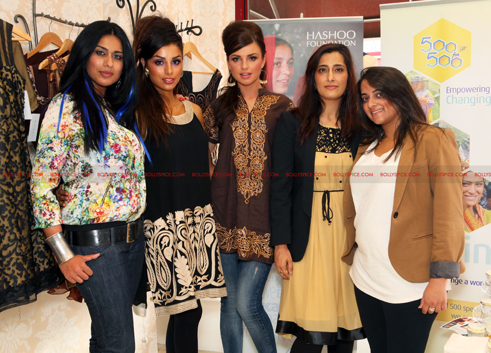 12jul raishma launchesRTW06 UK Designer Raishma launches RTW collection and raises funds for the Hashoo Foundation!