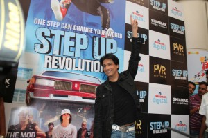 12jul shaimak stepuprevolution 300x200 Shiamak Davars Shabop Adds Chutzpah to Step Up Revolution!