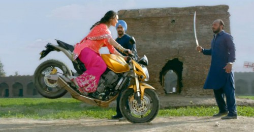 Sonakshi turns Dhoom for Son of Sardaar