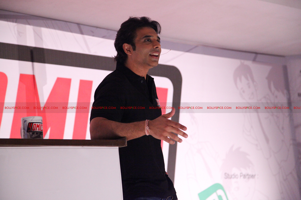 12jul uday abhishek yomics02 Uday Chopra and Abhishek Bachchan launch YOMICS