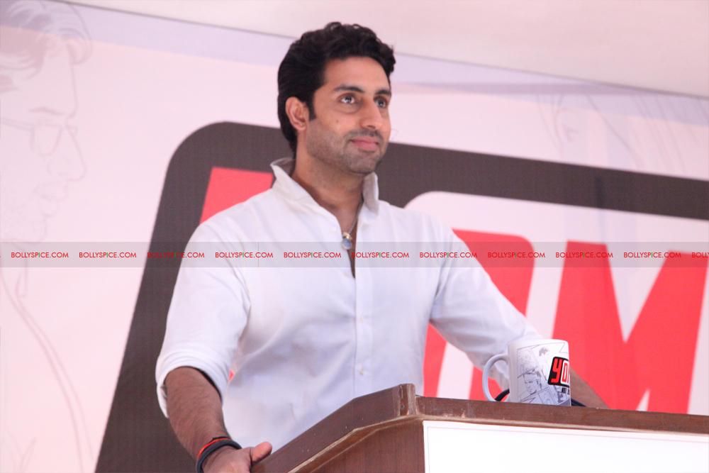 12jul uday abhishek yomics03 Uday Chopra and Abhishek Bachchan launch YOMICS