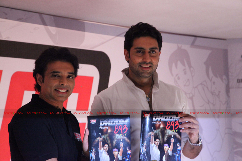 12jul uday abhishek yomics04 Uday Chopra and Abhishek Bachchan launch YOMICS