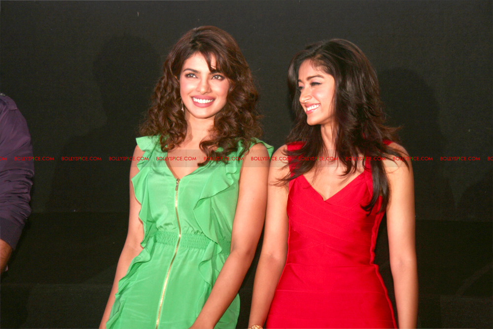 12jun barfitrailerlaunch07 In Pictures and Video: Ranbir and Priyanka at Barfi Trailer Launch!