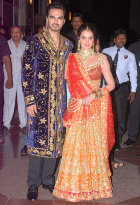12jun whwn eshasangeet01 Whos Hot Whos Not   Esha Deol's Sangeet Ceremony
