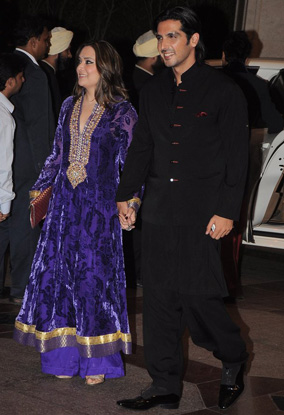 12jun whwn eshasangeet05 Whos Hot Whos Not   Esha Deol's Sangeet Ceremony