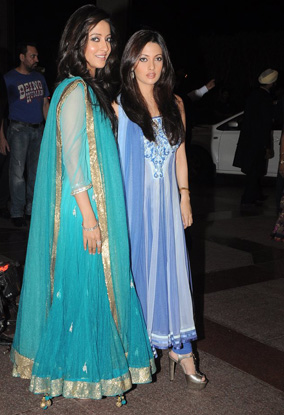12jun whwn eshasangeet06 Whos Hot Whos Not   Esha Deol's Sangeet Ceremony