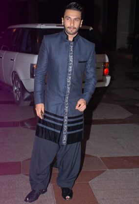 12jun whwn eshasangeet07 Whos Hot Whos Not   Esha Deol's Sangeet Ceremony