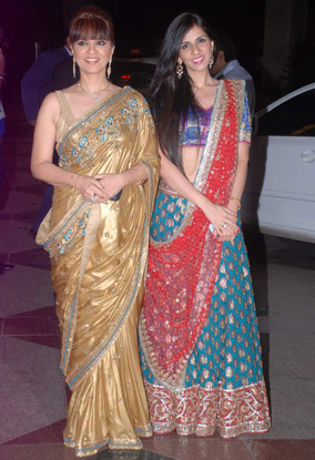 12jun whwn eshasangeet12 Whos Hot Whos Not   Esha Deol's Sangeet Ceremony