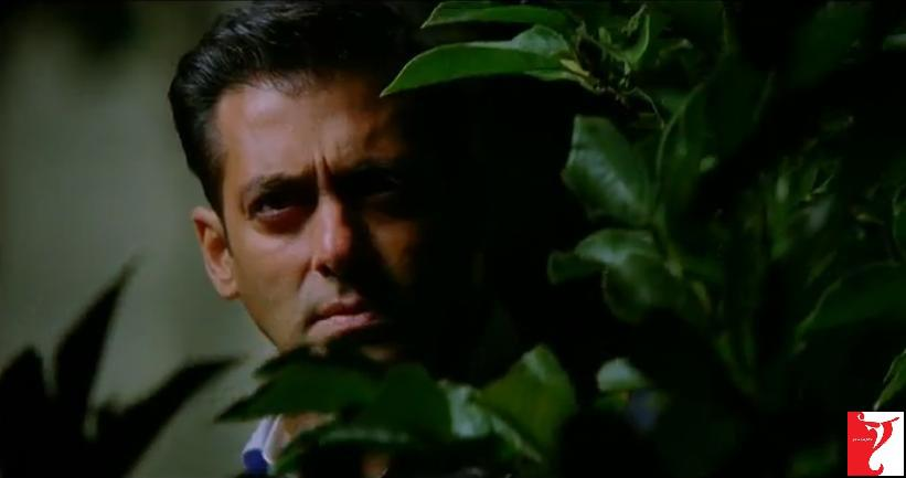 ett09 New Ek Tha Tiger Digital Poster and Some Cool Stills too!