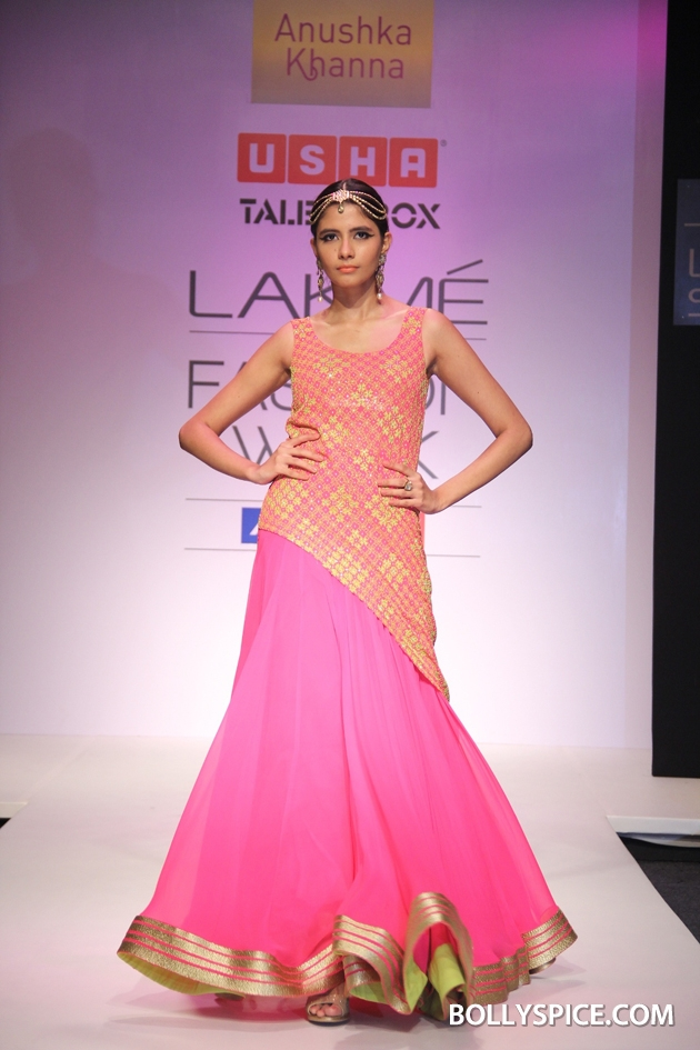 12aug LFW winterAnushka02 Anushka Khanna, Felix Bendish and Izi Atelier Presented Grand Shows at the Usha Talent Box during Lakmé Fashion Week Winter/Festive 2012
