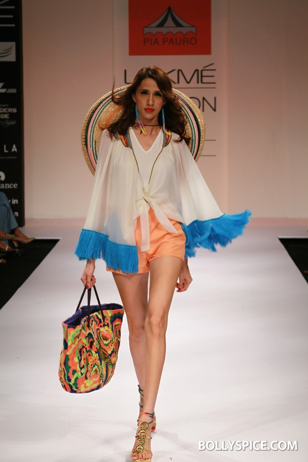 12aug LFW winterPiaPauro01 Pia Pauro's Fashionable Travelogue with Rustic Touches Made A Trendy Impact at Lakmé Fashion Week Winter/Festive 2012