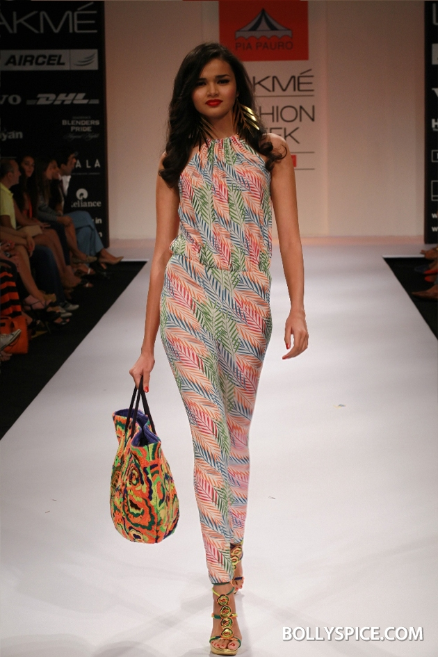 12aug LFW winterPiaPauro02 Pia Pauro's Fashionable Travelogue with Rustic Touches Made A Trendy Impact at Lakmé Fashion Week Winter/Festive 2012