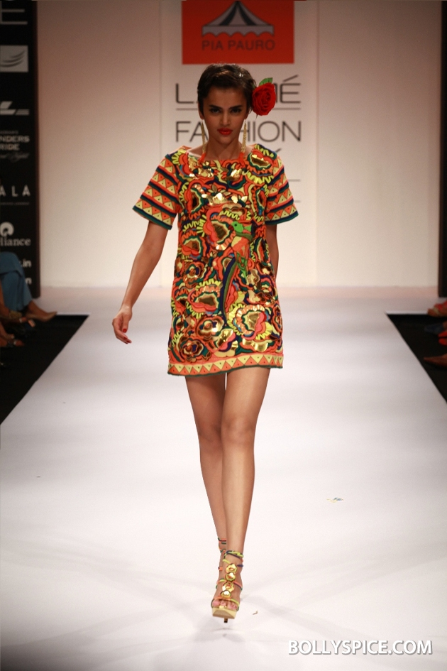 12aug LFW winterPiaPauro03 Pia Pauro's Fashionable Travelogue with Rustic Touches Made A Trendy Impact at Lakmé Fashion Week Winter/Festive 2012