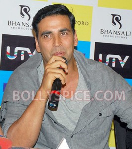 12aug RowdyRathoreDVDlaunch05 266x300 Akshay and Sonakshi at their witty best at DVD launch