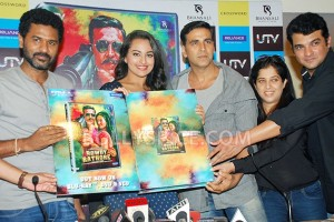 12aug RowdyRathoreDVDlaunch06 300x200 Akshay and Sonakshi at their witty best at DVD launch