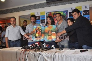 12aug RowdyRathoreDVDlaunch08 300x200 Akshay and Sonakshi at their witty best at DVD launch