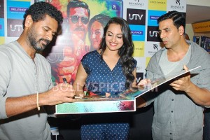 12aug RowdyRathoreDVDlaunch10 300x200 Akshay and Sonakshi at their witty best at DVD launch