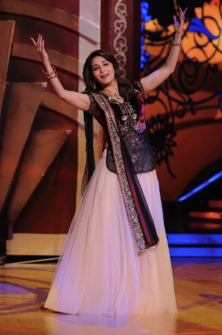 NPH 9013 Madhuri to dance Saroj Khan Steps Again!