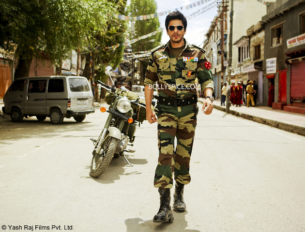 SRK in Ladakh 1 copy First Look: Shah Rukh Khans Samar in Yash Chopras Romance on location in Ladakh