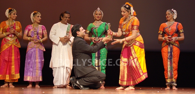 12sep Hema Norway Stamp02 Hema Malini gets a surprise at the Bollywood Festival Norway