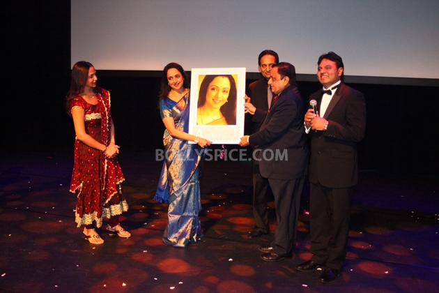 12sep Hema Norway Stamp04 Hema Malini gets a surprise at the Bollywood Festival Norway
