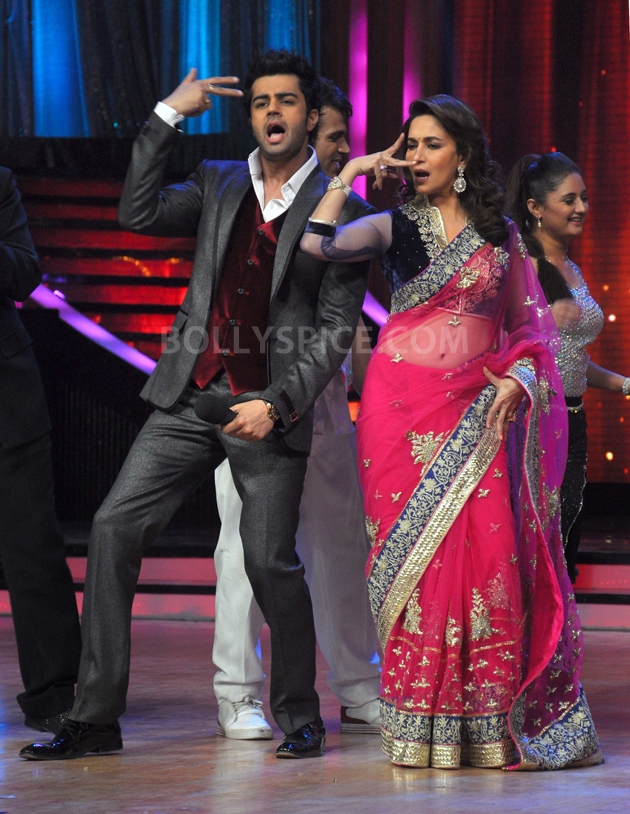 12sep Madhuri Sridevi Jhalak01 Chandni meets Dhak Dhak girl on the sets of Jhalak Dhikhla Jaa