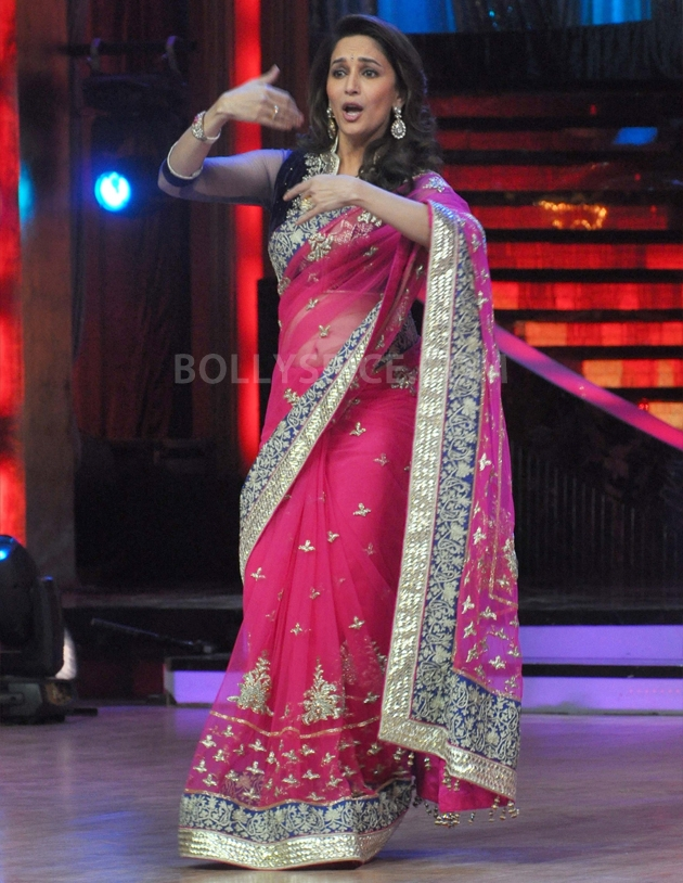 12sep Madhuri Sridevi Jhalak02 Chandni meets Dhak Dhak girl on the sets of Jhalak Dhikhla Jaa