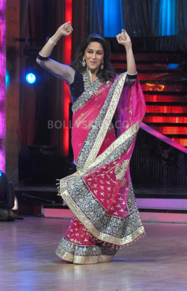 12sep Madhuri Sridevi Jhalak03 Chandni meets Dhak Dhak girl on the sets of Jhalak Dhikhla Jaa