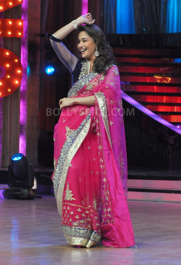 12sep Madhuri Sridevi Jhalak17 Chandni meets Dhak Dhak girl on the sets of Jhalak Dhikhla Jaa