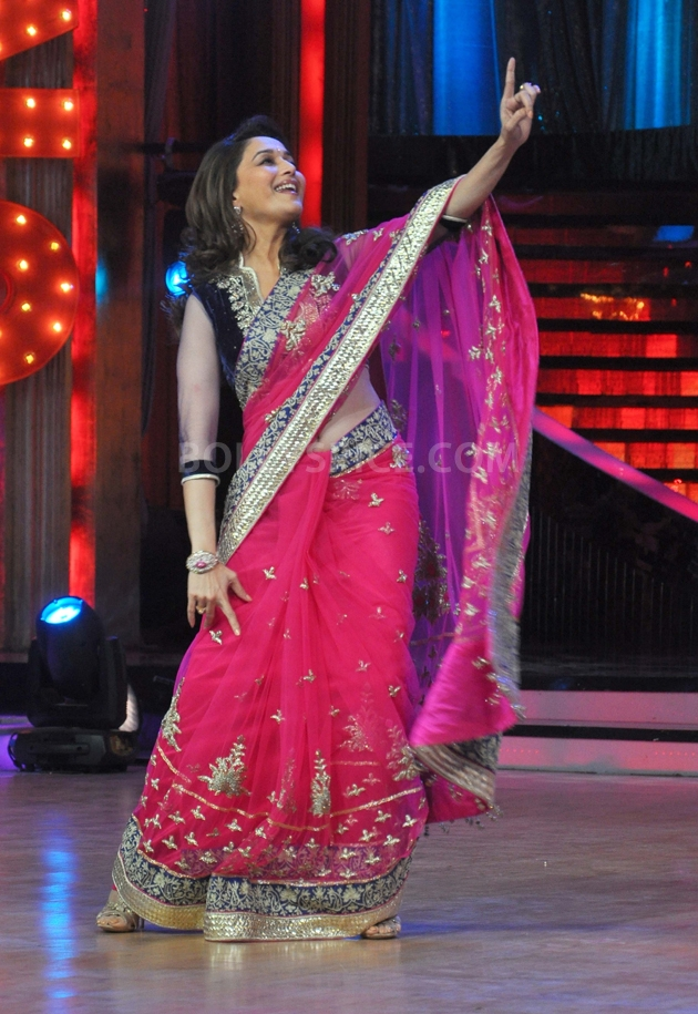 12sep Madhuri Sridevi Jhalak19 Chandni meets Dhak Dhak girl on the sets of Jhalak Dhikhla Jaa