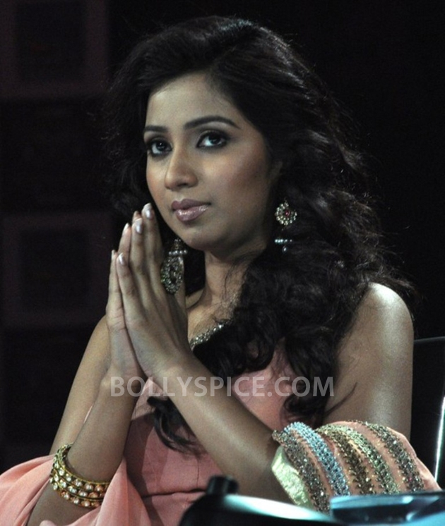 12sep ShreyaGoshalNewJerseyConcert01 Shreya Ghoshal Live Concert   USA Tour 2012   New Jersey