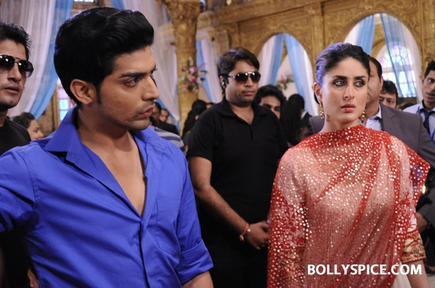 12sep kareena punarvivah01 Kareena Kapoor on sets of Punar Vivah