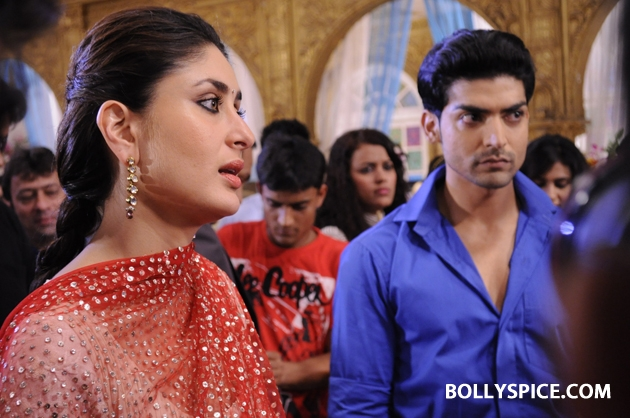 12sep kareena punarvivah02 Kareena Kapoor on sets of Punar Vivah