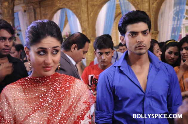12sep kareena punarvivah03 Kareena Kapoor on sets of Punar Vivah