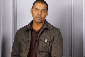 10oct jonhuertas 01a I would love to do a Bollywood movie because I would love to challenge myself   Jon Huertas