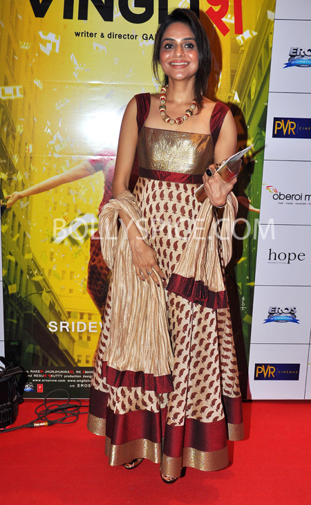 10oct whwnev madhoo Who's Hot Who's Not – English Vinglish Premiere