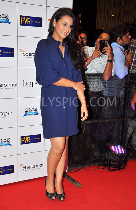 10oct whwnev sonakshi Who's Hot Who's Not – English Vinglish Premiere