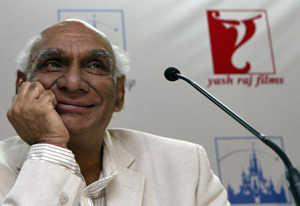 10oct yashwords Bollywood shares some special memories about Yash Chopra