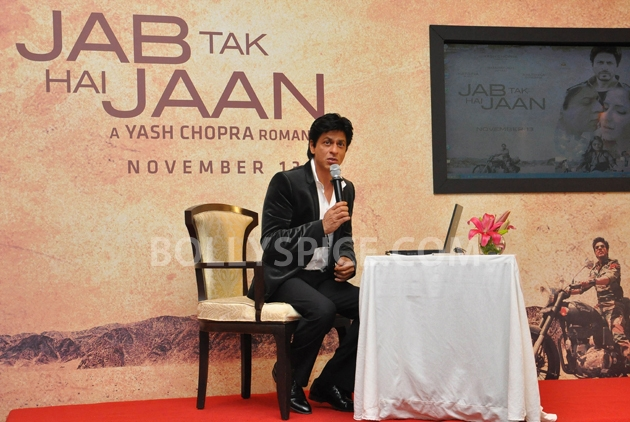 12oct JTHJ SaansSongLaunch06 IN PHOTOS: Jab Tak Hai Jaan Saans song launch event