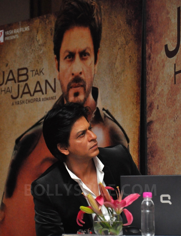 12oct JTHJ SaansSongLaunch08 IN PHOTOS: Jab Tak Hai Jaan Saans song launch event