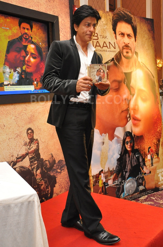 12oct JTHJ SaansSongLaunch30 IN PHOTOS: Jab Tak Hai Jaan Saans song launch event