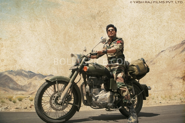 12oct JTHJ stills01 Exclusive stills and wallpapers from Jab Tak Hai Jaan!