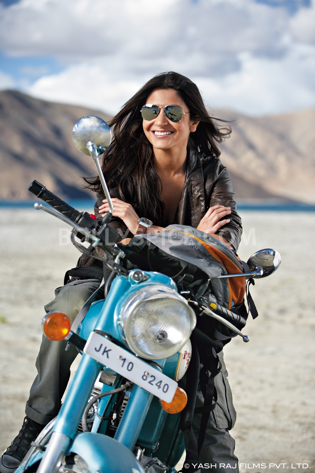 12oct JTHJ stills03 Exclusive stills and wallpapers from Jab Tak Hai Jaan!