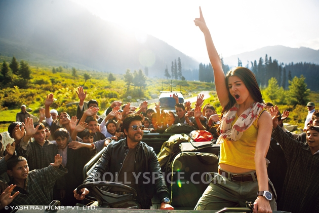 12oct JTHJ stills09 Exclusive stills and wallpapers from Jab Tak Hai Jaan!